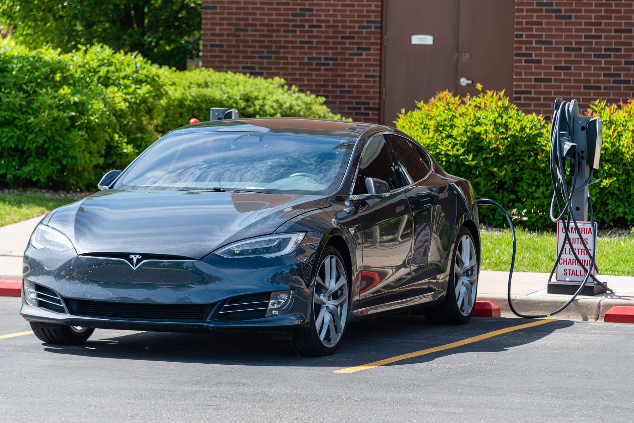 TheLemonFirm.com discusses the different kinds of defects that are often in Tesla Motors vehicles.